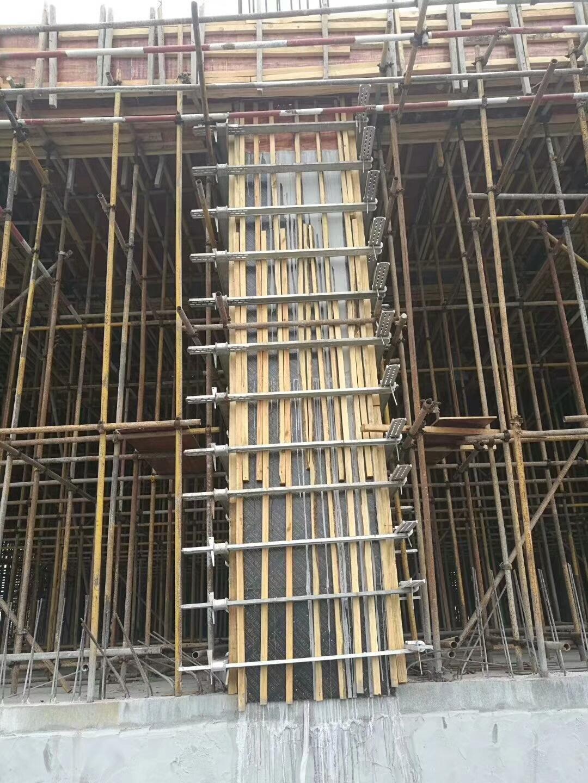 方柱模板施工